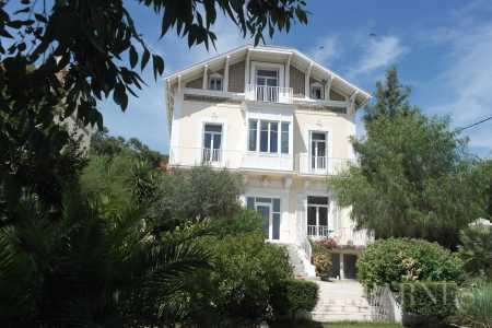 Maison Hyères - Ref 2542845