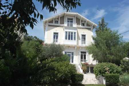 Maison bourgeoise HYERES - Ref M-74404