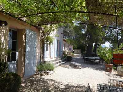 Maison Saint-Marc-Jaumegarde - Ref 2542876