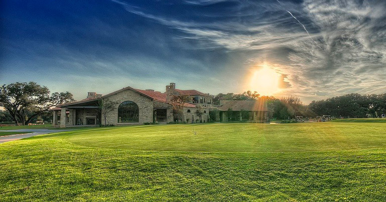 Golf course homes in Provence